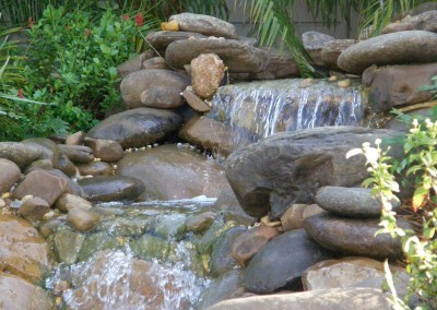 natural-rock-waterfall-fort-myers