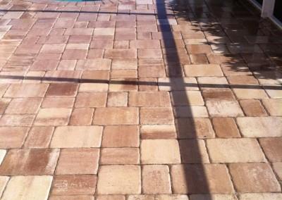 Interlocking-brick-overlay-in-lanai